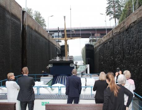 112. Exploring Saimaa locks during the seminar cruise along the Saimaa Canal