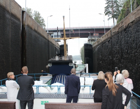 112. Exploring Saimaa locks during the seminar cruise along the Saimaa Canal